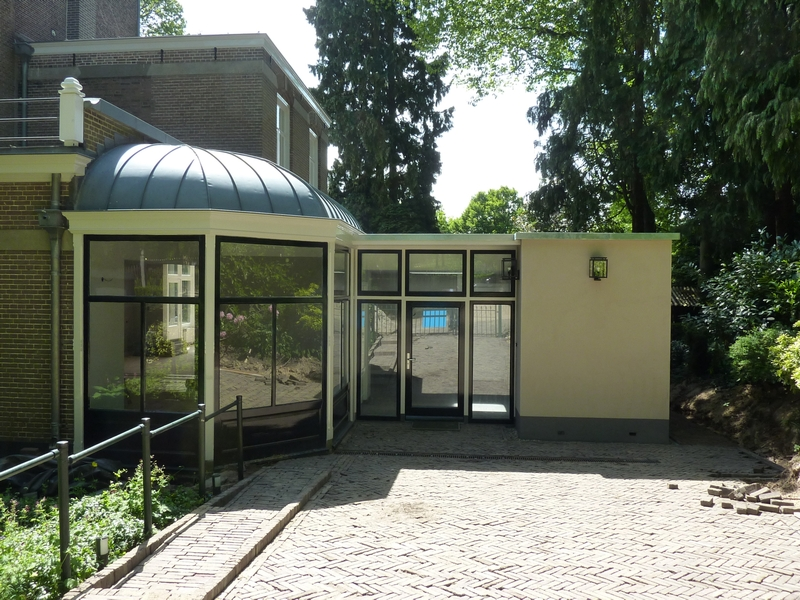 Persoons bungalow vuurvlinder met serre roompot recreatiepark